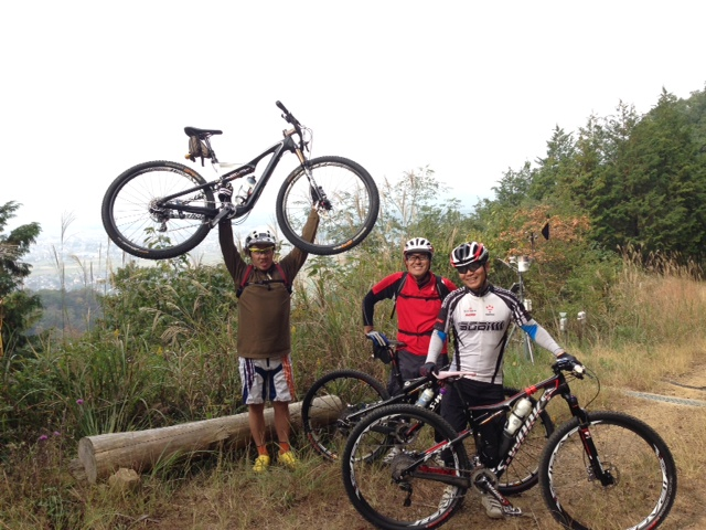 http://cycleshop-fun.com/images/110303.JPG
