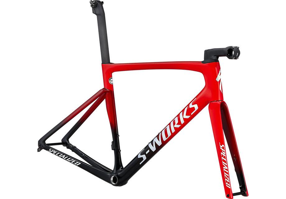 https://cycleshop-fun.com/images/74920-00_TARMAC-SL7-SW-FRMSET-FLORED-TARBLK-WHT_HERO.jpeg