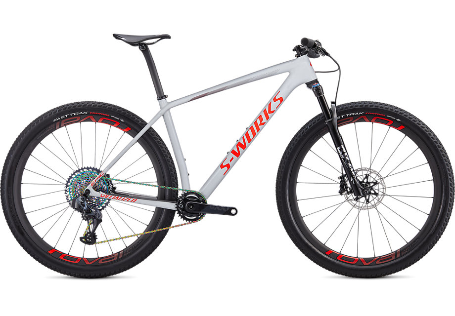 https://cycleshop-fun.com/images/91320-01_EPIC-HT-SW-CARBON-SRAM-AXS-29-DOVGRY-RKTRED-CRMSN_HERO.jpg